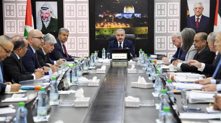 ورقة بحثية حول أداء الحكومة الفلسطينية في جائحة كورونا